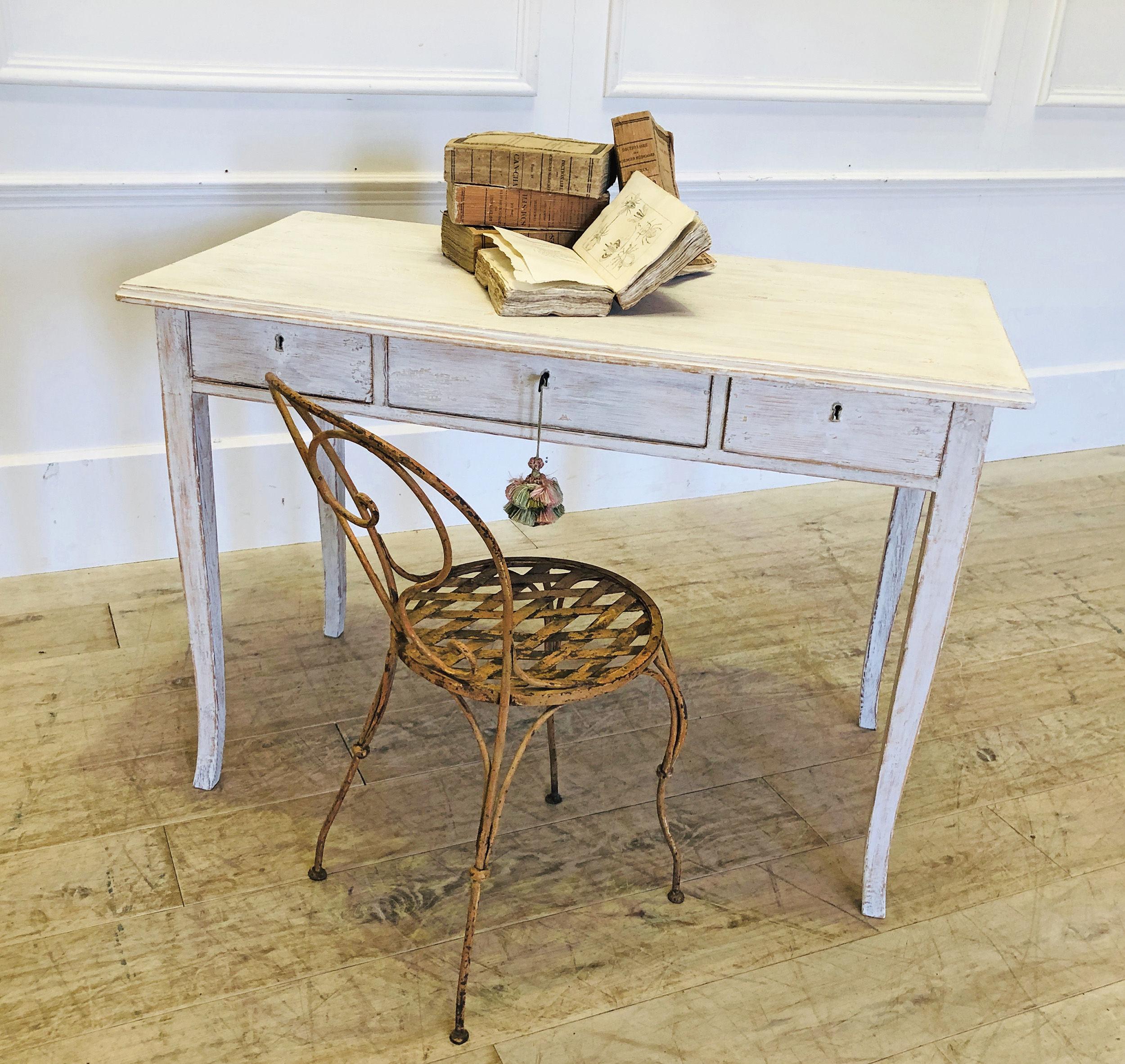 Swedish writing table